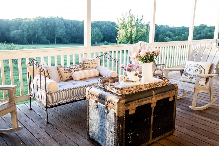 Swoon Worthy Outdoor Spaces 3