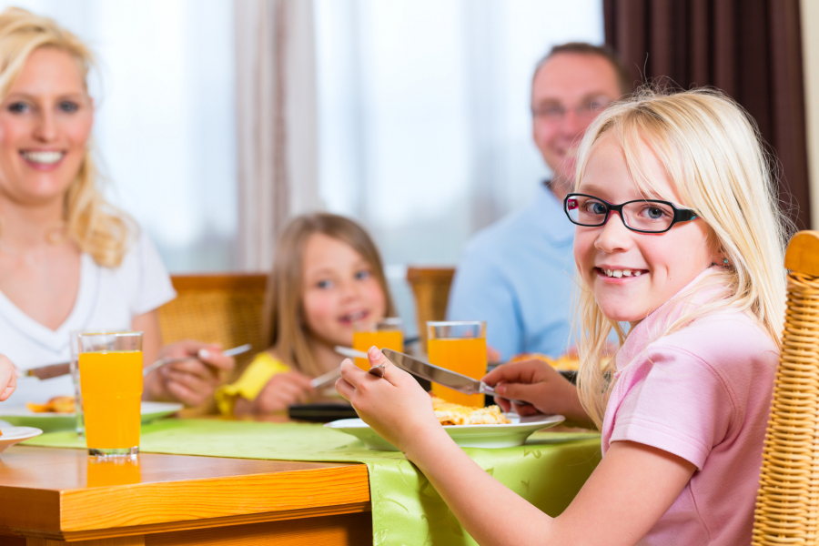 Ways To Teach Table Manners To Kids 2