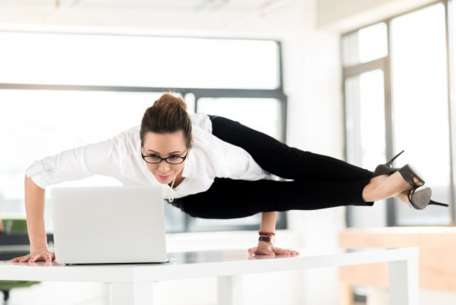 Determined To Win Your Holiday Weight Loss Challenge We Have Tips On How Keep The Pounds Off At Work