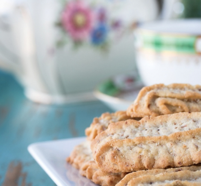 Popular Phrases Biscuit and Tea